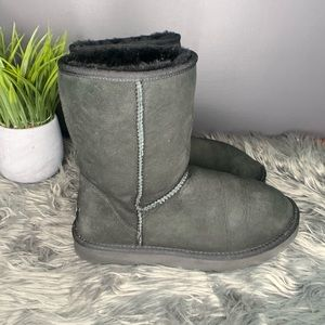 Black Uggs Size 7
